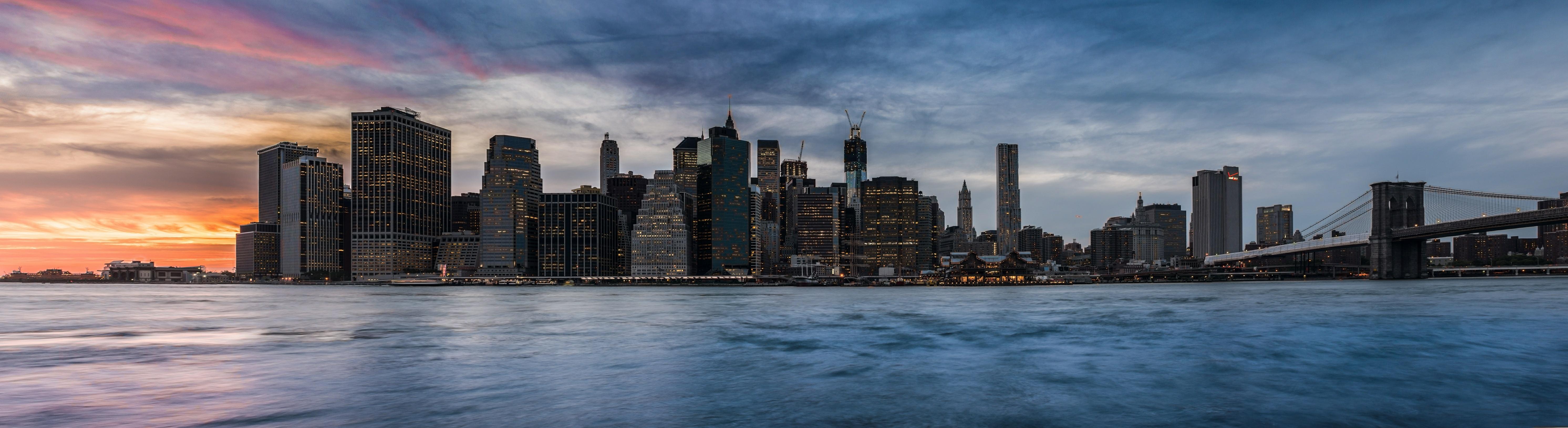 en nueva york podrs asistir a un musical en broadway pasar una noche en times square conocer la isla de ellis recorrer de un lado a otro el puente de